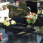 Hroby 16